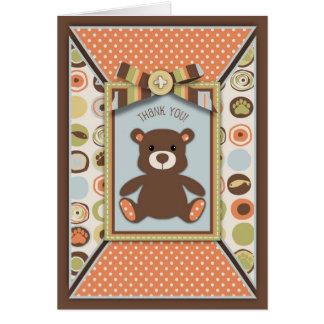 El arco y el botón del oso de peluche 3D-look le Tarjeta De Felicitación