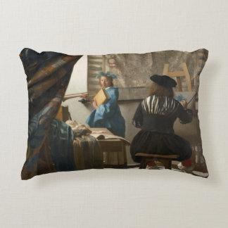El arte de la pintura de Juan Vermeer Cojín Decorativo