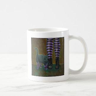 El arte del gato del gótico patea la pintura rayad taza de café