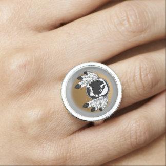 El arte nativo suena el anillo animal de la joyerí