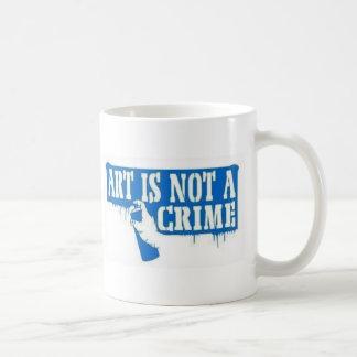 El arte no es un crimen taza básica blanca