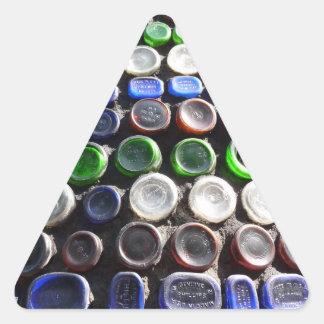 El arte Upcycled de la botella embotella fotogra Pegatina De Triangulo