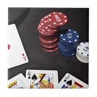 El as del póker apostó la buena mano tejas  ceramicas