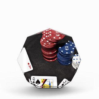 El as del póker apostó la buena mano