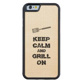 El asado a la parilla guarda calma y la parrilla funda de iPhone 6 bumper arce