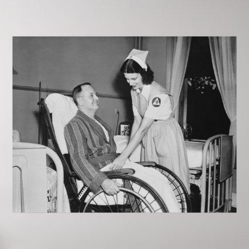El asistente de la enfermera de la Cruz Roja: 1940 Póster