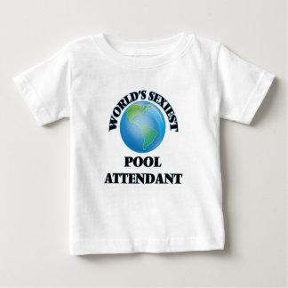 El asistente más atractivo de la piscina del mundo playeras