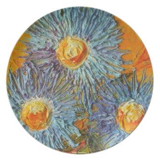 El aster azul florece la placa plato