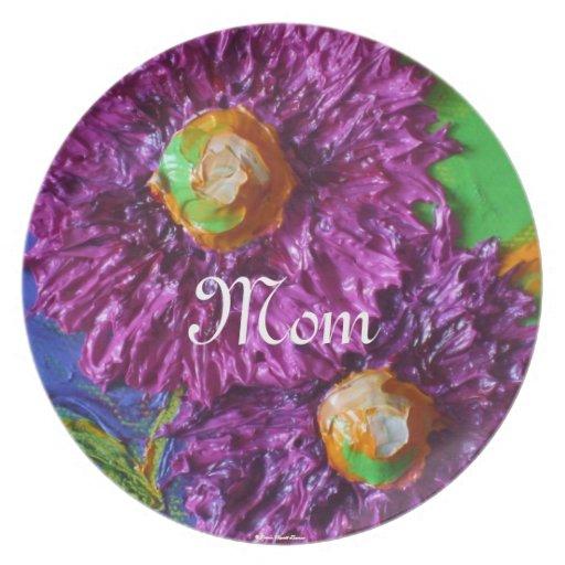 El aster púrpura florece la placa del día de madre plato de comida