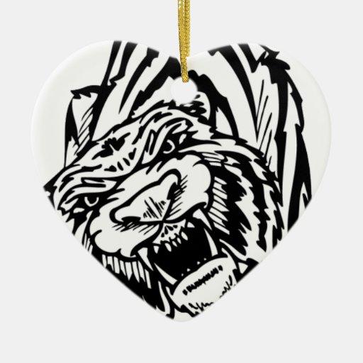 El atacar blanco y negro del tigre adorno navideño de cerámica en forma de corazón