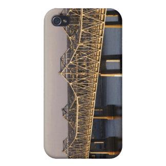 El atravesar de los puentes de Natchez-Vidalia iPhone 4 Cárcasas