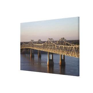 El atravesar de los puentes de Natchez-Vidalia Impresiones En Lona