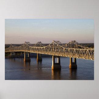 El atravesar de los puentes de Natchez-Vidalia Poster