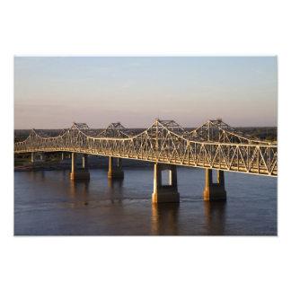 El atravesar de los puentes de Natchez-Vidalia Impresiones Fotográficas