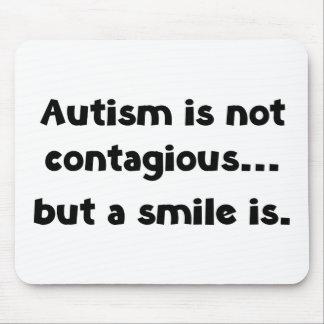 El autismo no es contagioso, pero una sonrisa es alfombrilla de raton