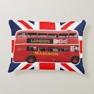 El autobús del rojo de Londres Cojín Decorativo