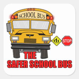 El autobús escolar más seguro calcomanias cuadradas