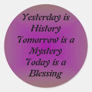 El ayer es historia pegatina redonda