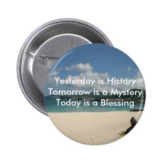 El ayer es historia pins