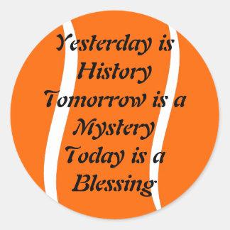 El ayer es pegatina de la historia