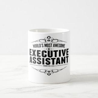El ayudante ejecutivo más impresionante del mundo taza básica blanca