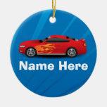 El azul brillante con el coche de deportes rojo fl adorno de reyes