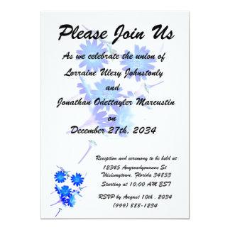 """El azul colorized diseño dispersado de las flores invitación 5"""" x 7"""""""