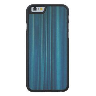 El azul cubre funda de iPhone 6 carved® de arce