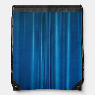 El azul cubre mochila
