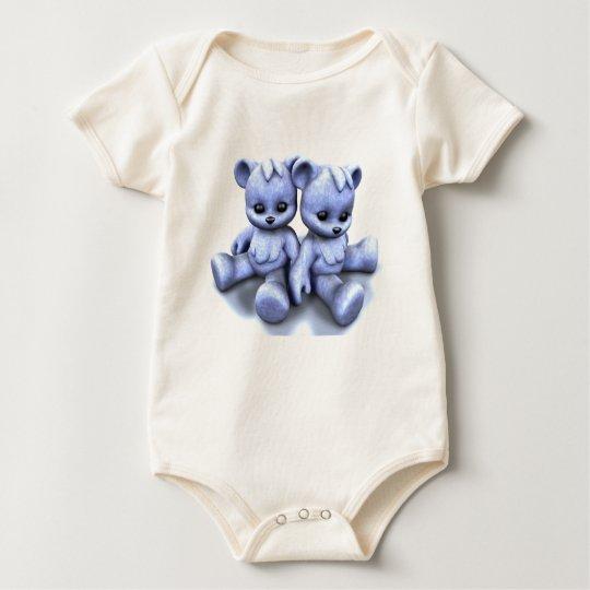 El azul de Plushie lleva 2 camisetas