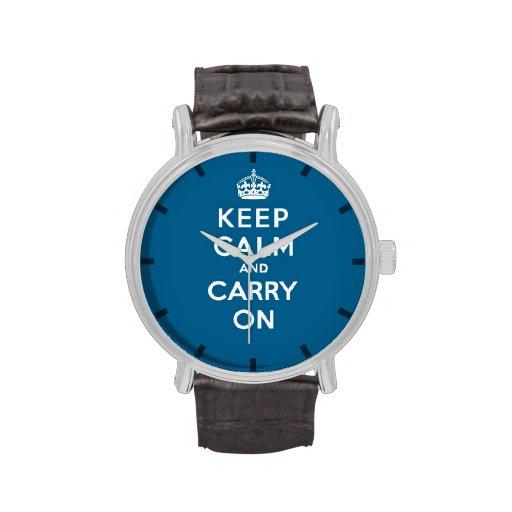 El azul del milenio guarda calma y continúa reloj de mano