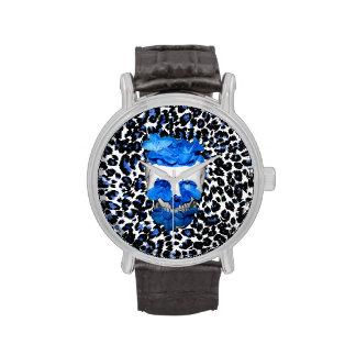 El azul florece el cráneo en estampado leopardo relojes de pulsera