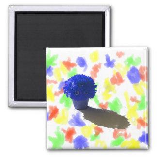 El azul florece el cubo y la sombra blancos imán cuadrado