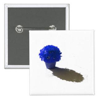 El azul florece el cubo y la sombra blancos pin cuadrada 5 cm