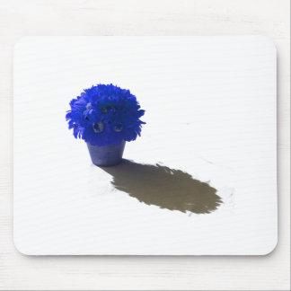 El azul florece el cubo y la sombra blancos tapete de raton