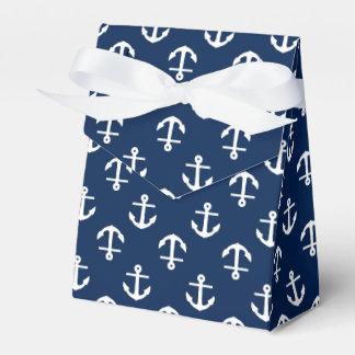 El azul marino ancla el modelo cajas para regalos de boda