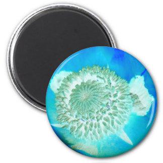 el azul poliniza la flor alemana en azul de ultram imán redondo 5 cm