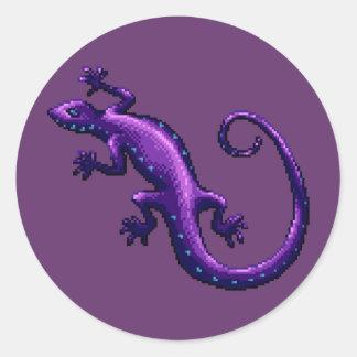 El azul púrpura del lagarto de la cola larga pegatina redonda