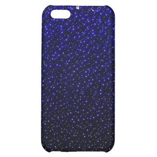 El azul real descolorado vetea la caja del iPhone