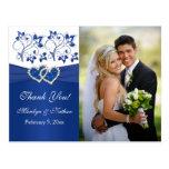 El azul real, floral blanco le agradece tarjeta de postal