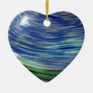 El azul y el verde remolina en la ronda adorno de cerámica en forma de corazón