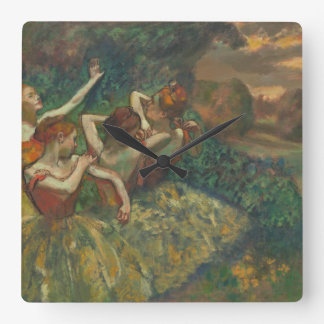 El bailarín cuatro cerca desgasifica el reloj