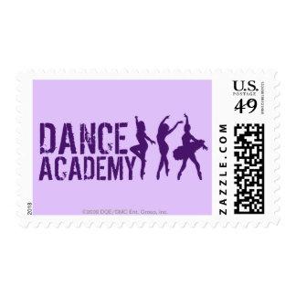 El bailarín de Acadmey de la danza siluetea el Sello