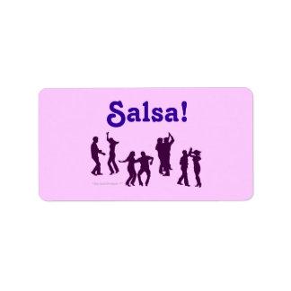 El baile de la salsa presenta las siluetas de enca etiqueta de dirección