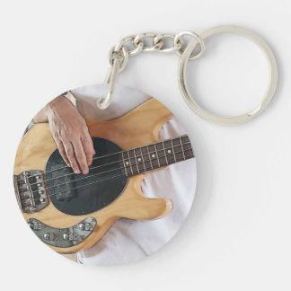 el bajista posterized cuatro manos .jp del bajo de llavero redondo acrílico a doble cara