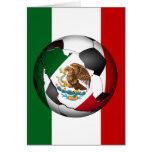 El balón de fútbol de México w/Flag colorea el fon Felicitacion