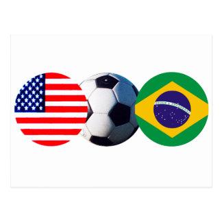 El balón de fútbol el Brasil y los E.E.U.U. señala Postal