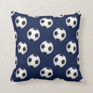El balón de fútbol se divierte el modelo almohadas