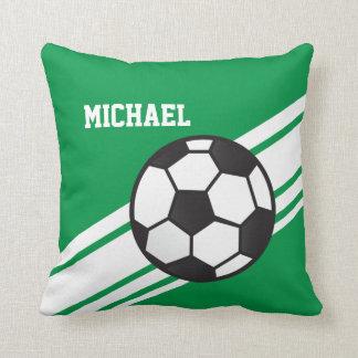 El balón de fútbol verde raya la almohada de tiro cojín decorativo