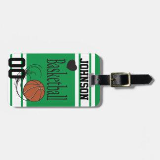 El baloncesto verde y el blanco el | personalizan etiquetas para equipaje